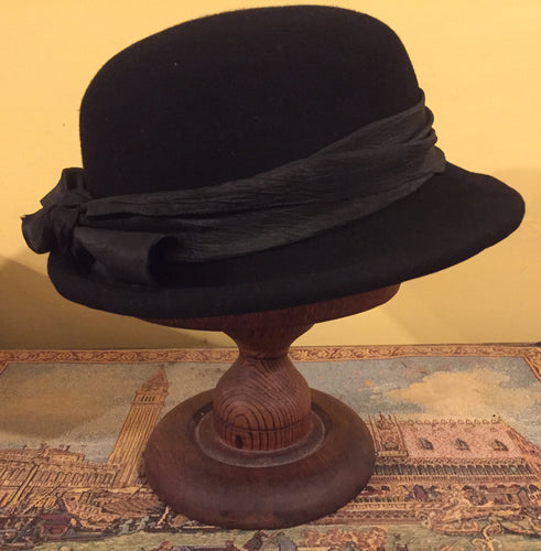Black Vintage Hat for a Lady