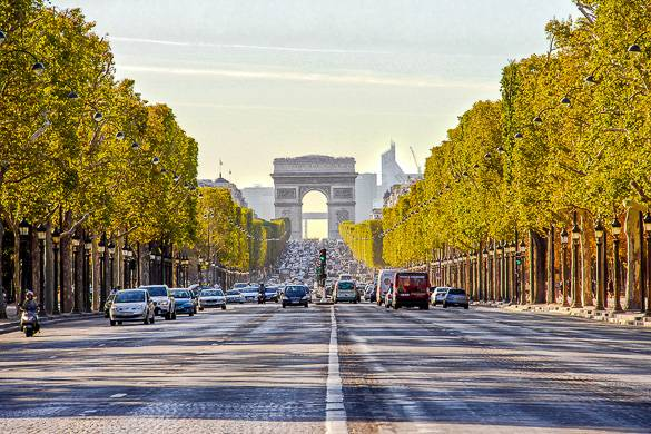 5 Travel Hacks to Not Getting Stuck in the Queue in Paris