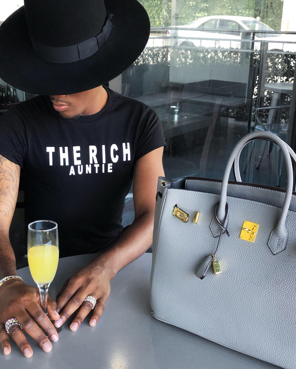 The Rich Auntie Tee (Black)