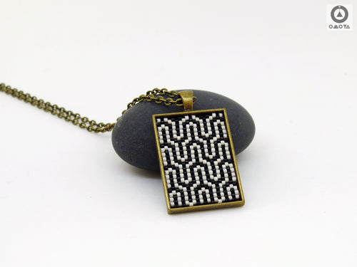 Seamless Short Pendant - Black & White Art Deco