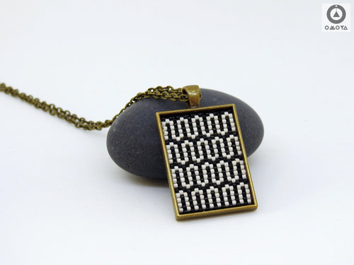Seamless Short Pendant - Black & White Squiggles