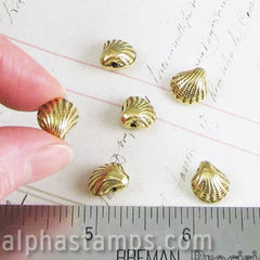 13mm Antique Gold Clam Shell Beads