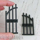 Black Plastic Arched Gate with Bars