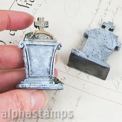 Mini Tombstones - Tim Holtz