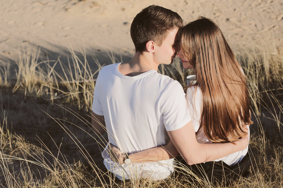 The Benefits of Human Touch to Strengthen Your Relationship