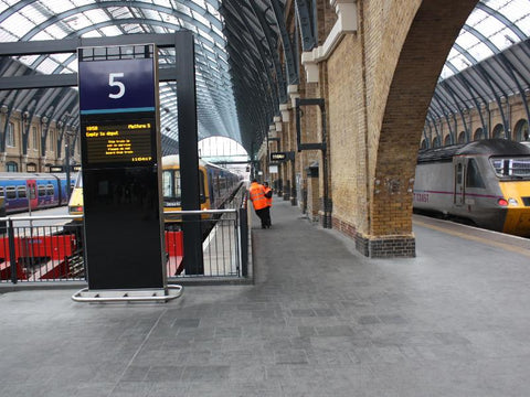 Harry Potter plateform 9 3/4 King's Cross Station