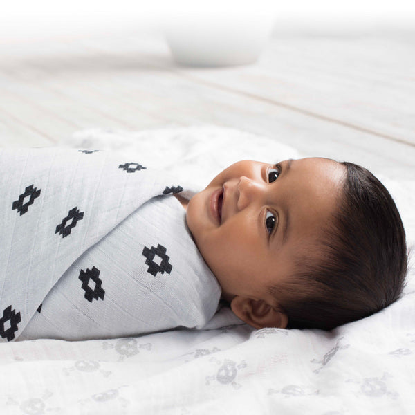 Aden and Anais Classic Swaddles Lovestruck Aztec