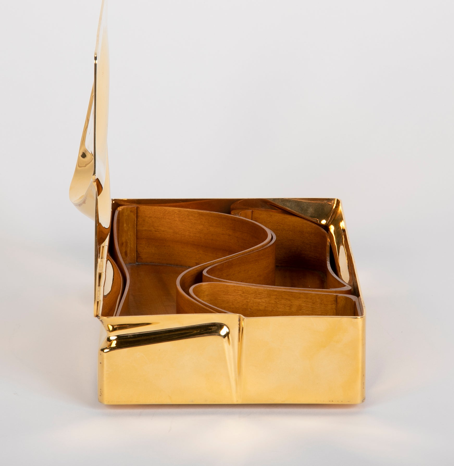 Mnemos 02 Jewelry Box by Asymptote for Meta