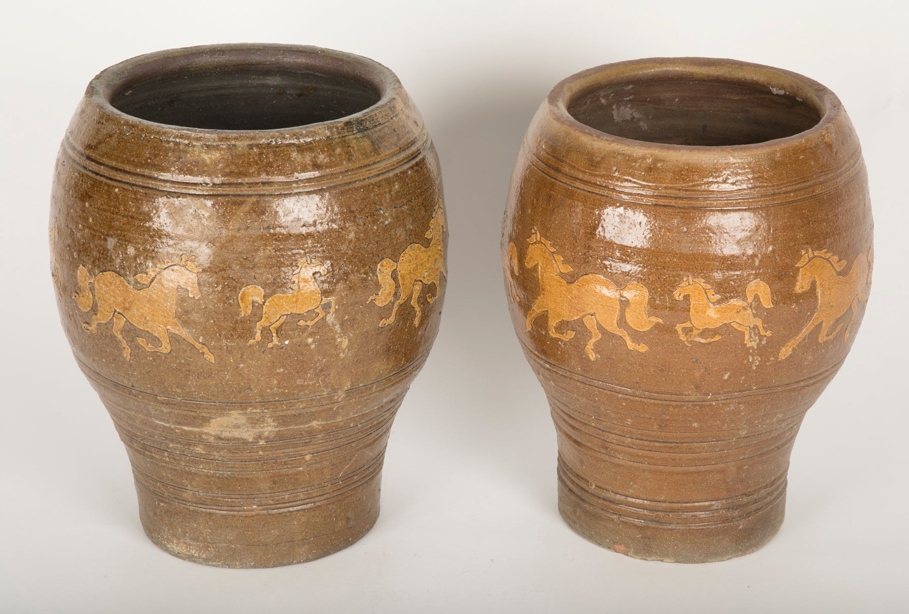 Pair of Late 19th Century Chinese Ceramic Pots