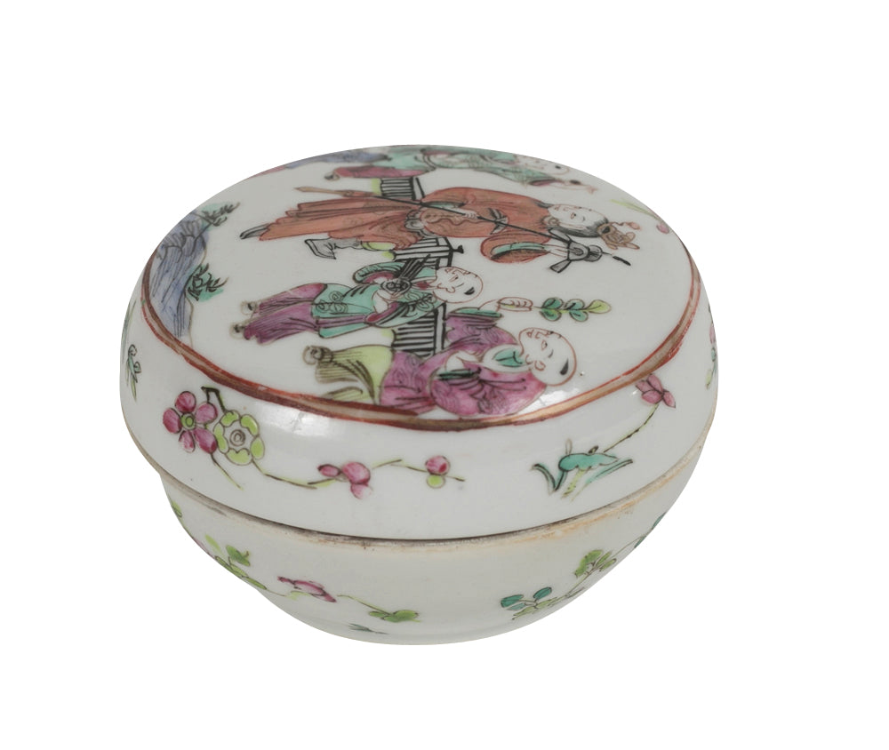 Covered Chinese Porcelain Box