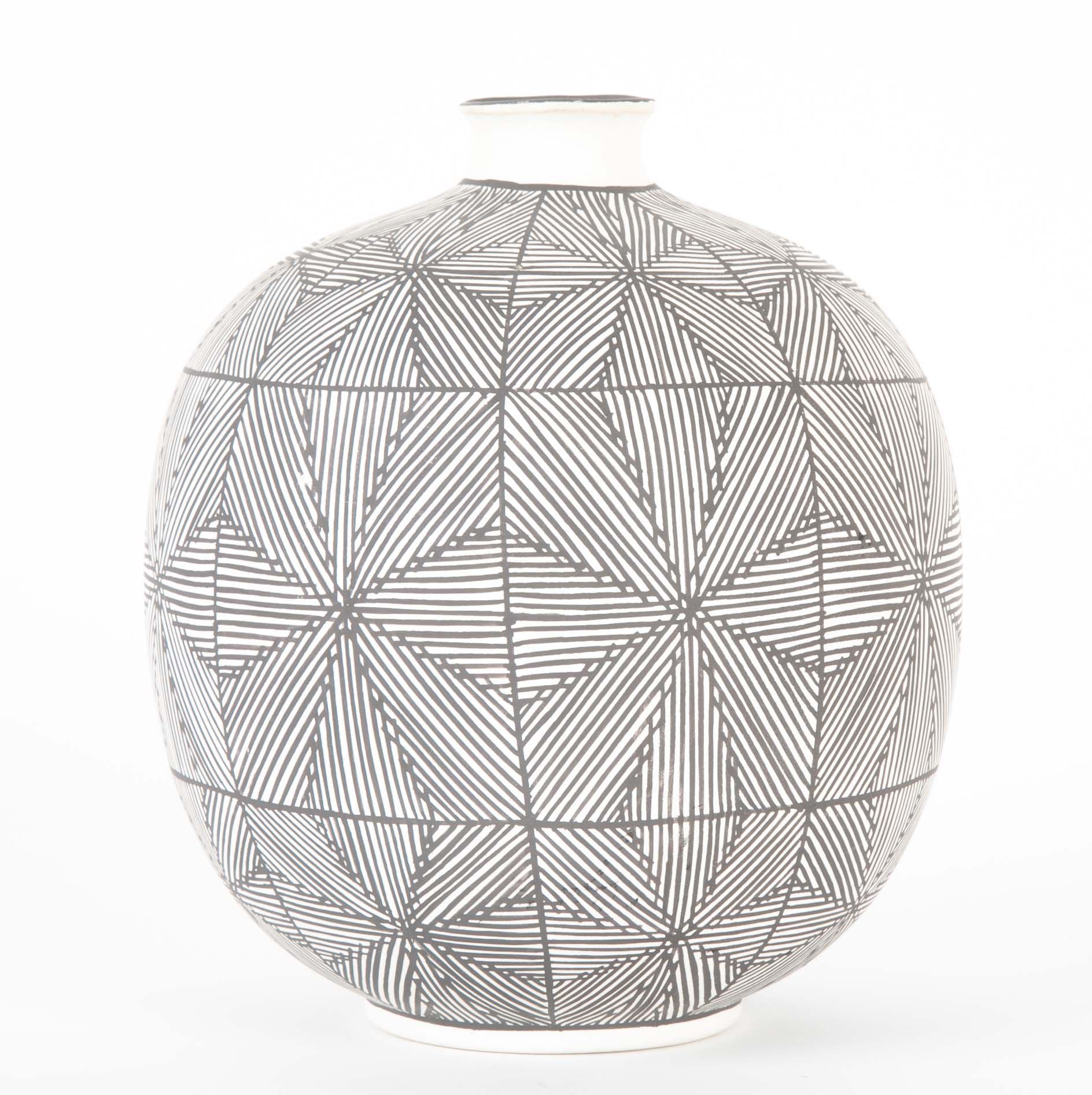 Round Acoma Vessel with Fine Line Black Web on White Design