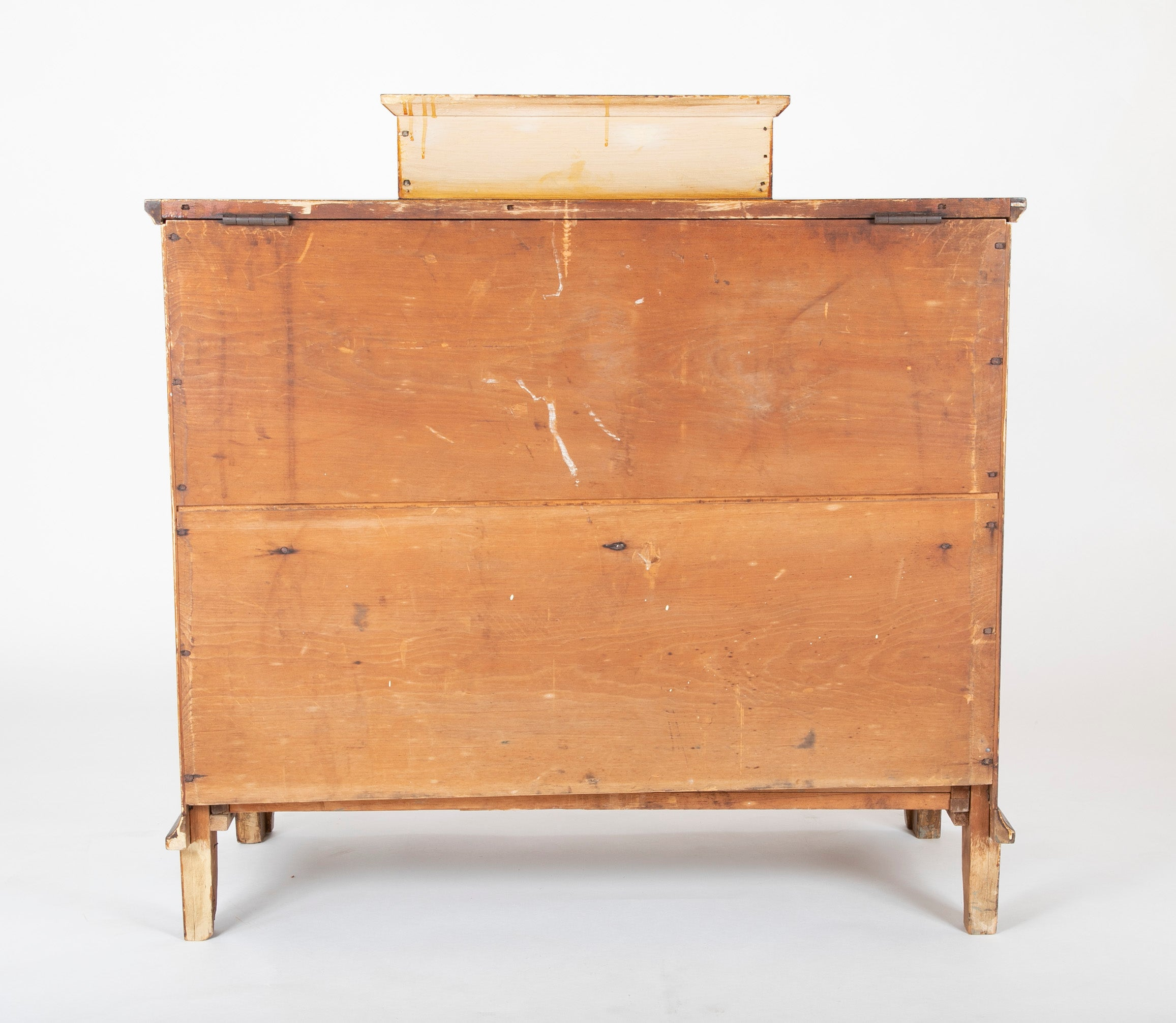 American Lift-Top Blanket Chest in Pine with Yellow & Brown Grained Finish