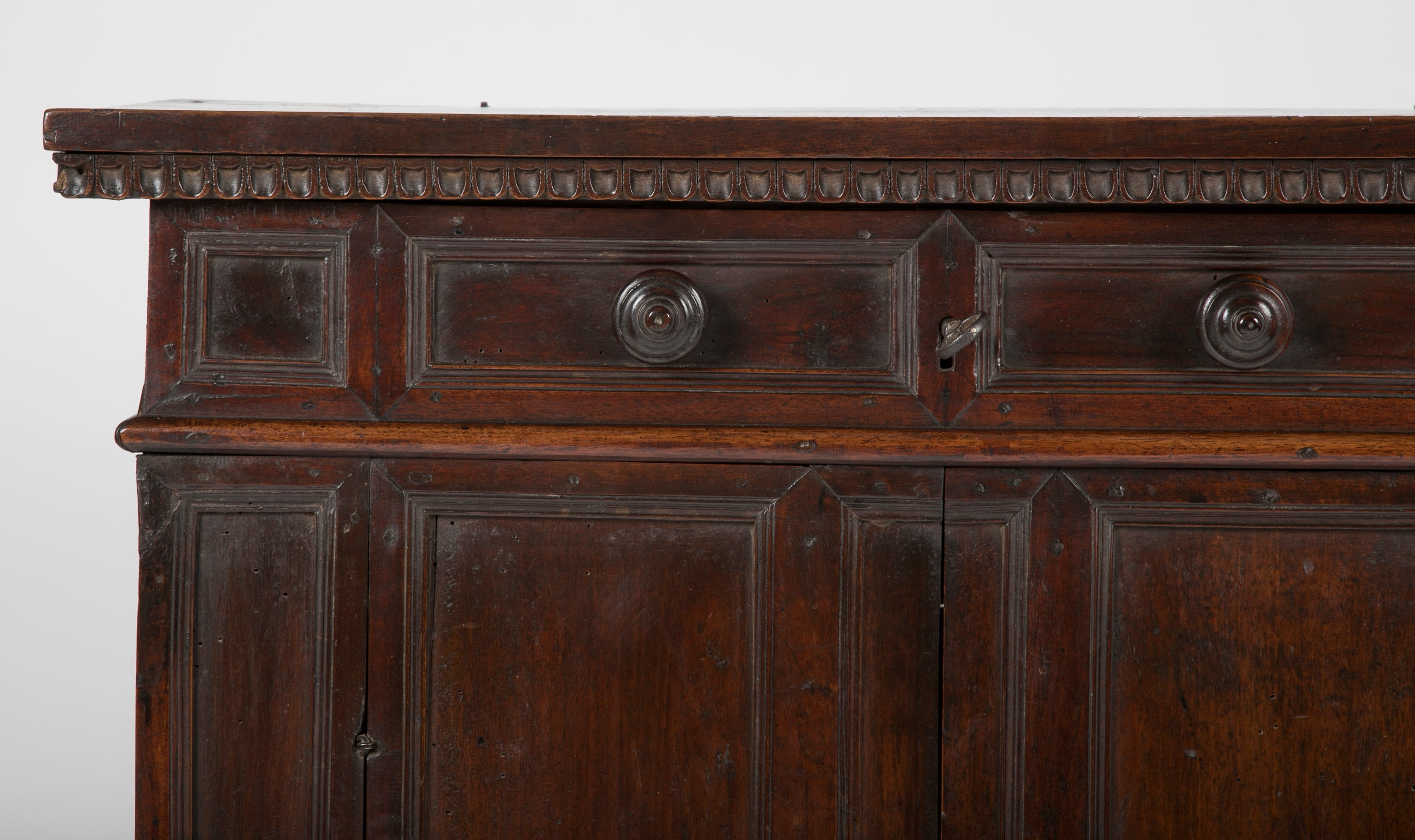 17th Century Italian Walnut Credenza with Lift Top