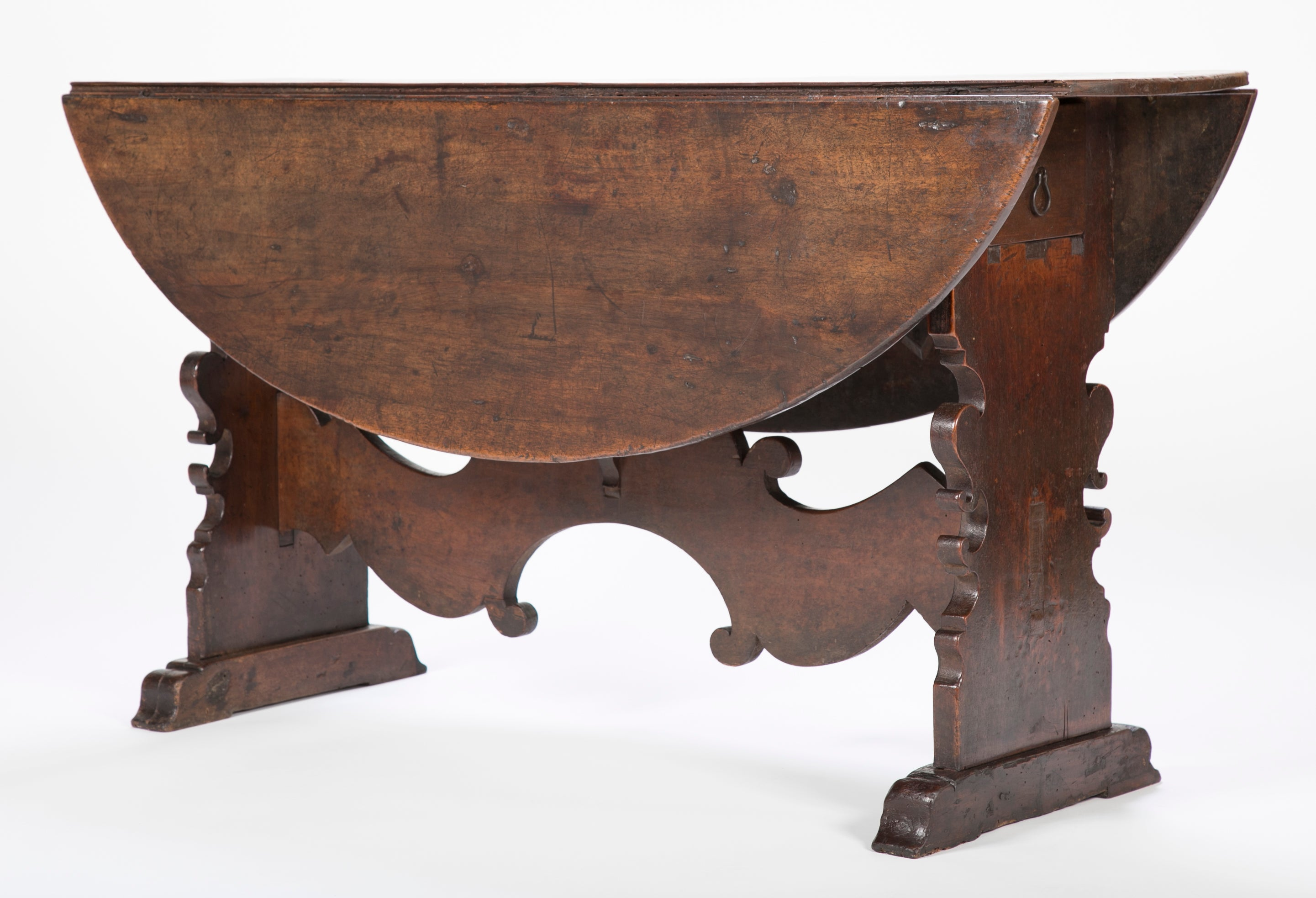 Genial Italian Baroque Walnut Drop Leaf Table