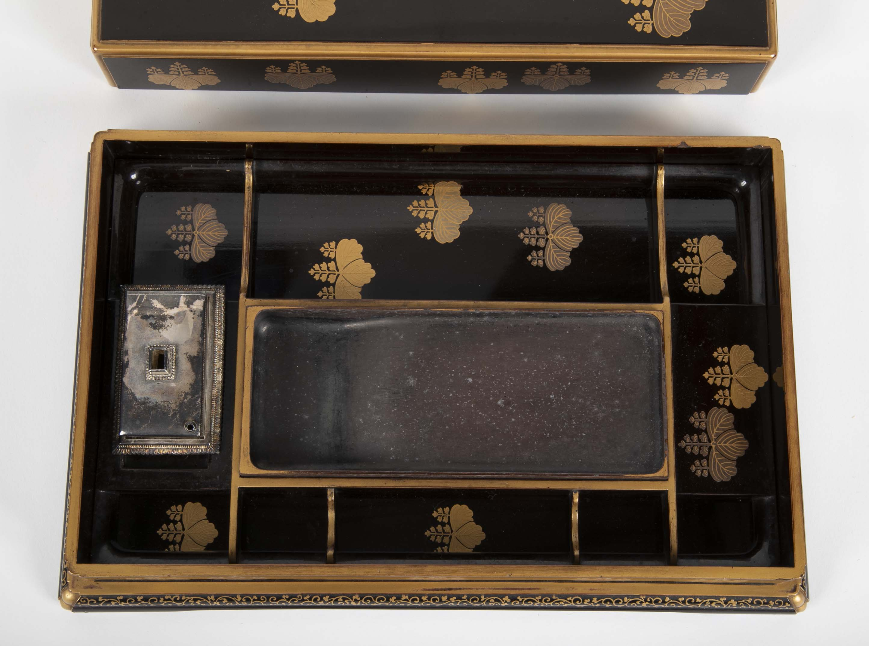 Black Lacquer Japanese Ink Stone Box in Presentation Case