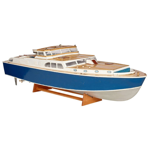 Cabin Cruiser Boat Model