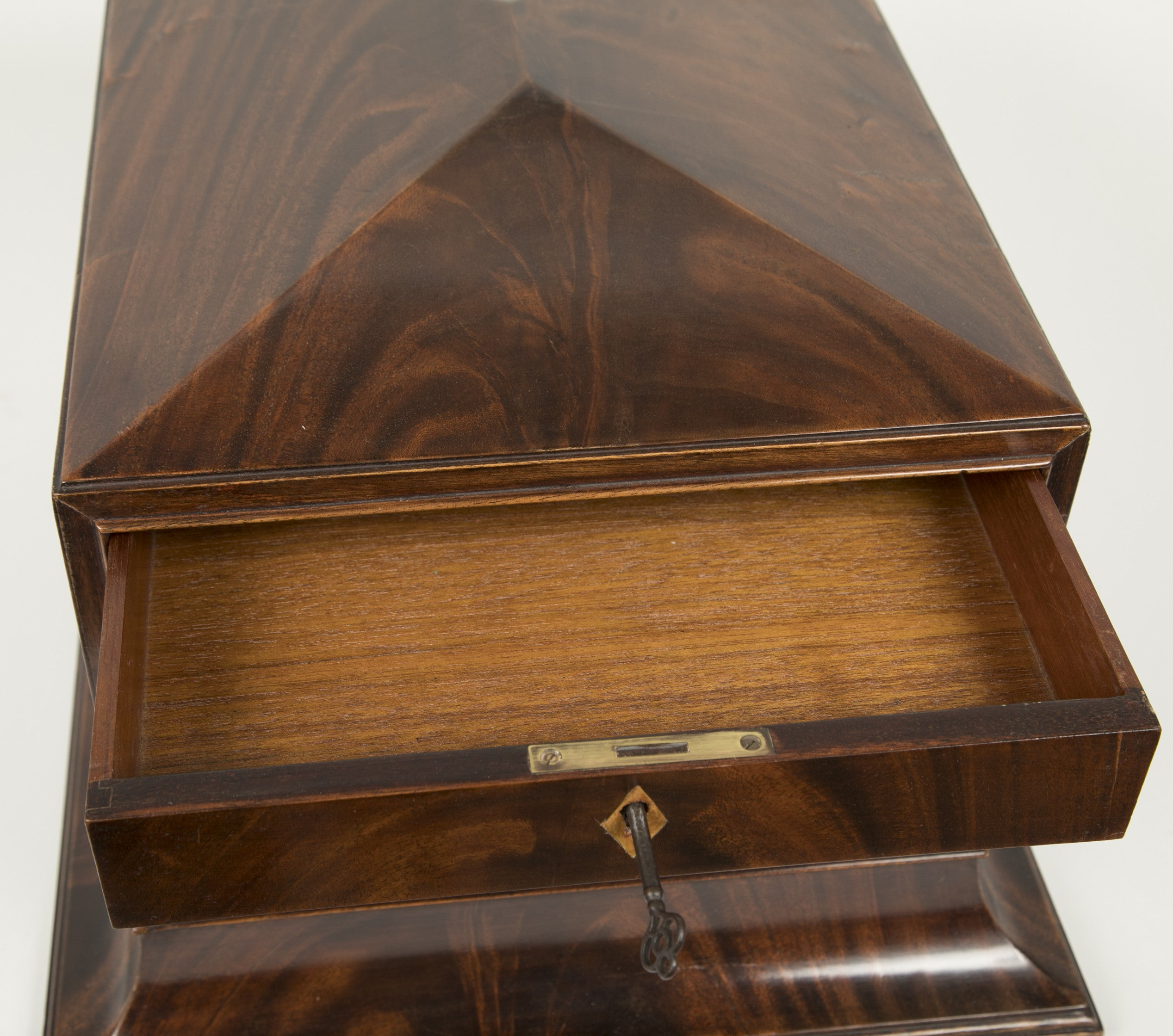 A Georgian Crotched Mahogany Jewelry Box / Chest
