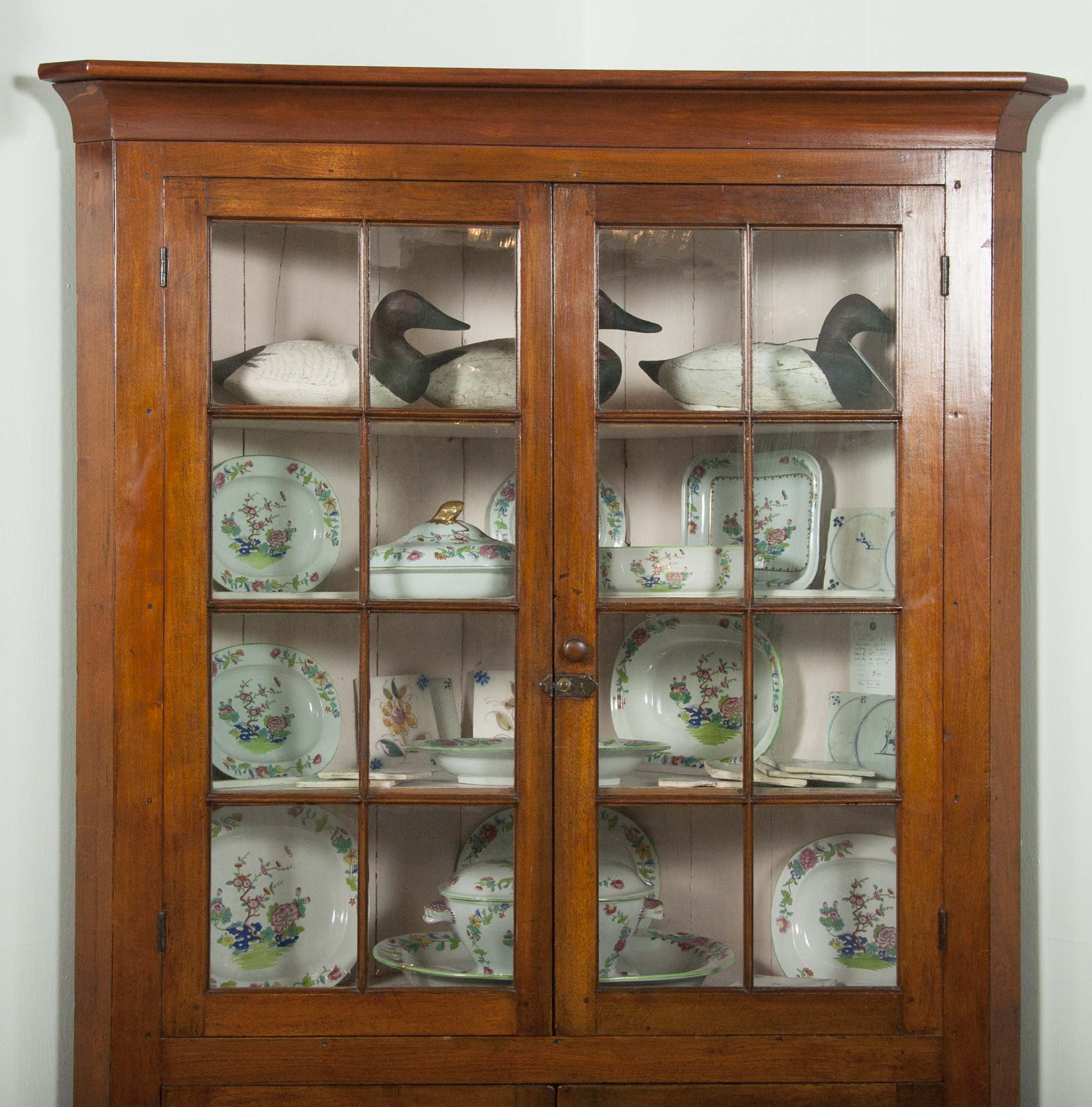 Late 18th / Early 19th Century Pennsylvania Corner Cupboard