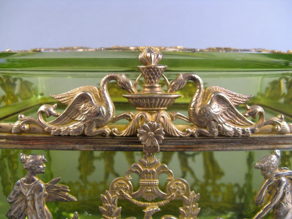 Continental Crystal Dresser Box