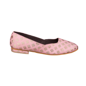 Pretty in pastel ballerinas