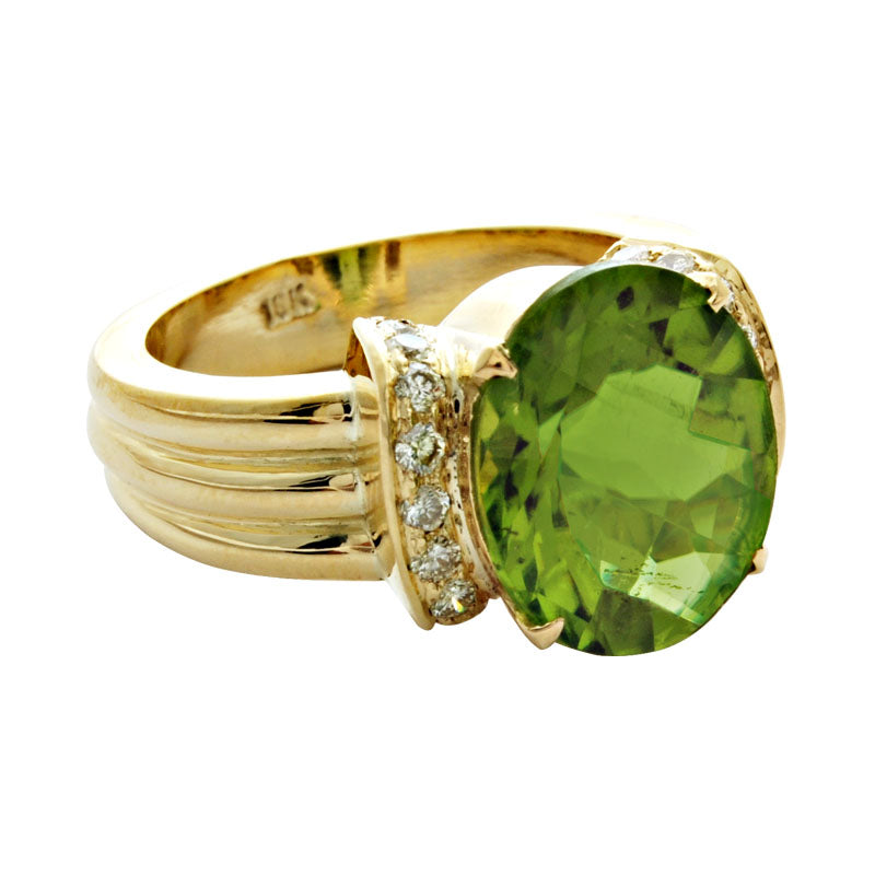 Ring-Peridot and Diamond