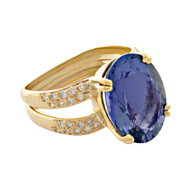 Ring-Iolite and Diamond