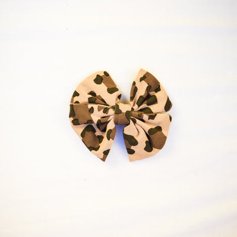 Leopard Bow Clip