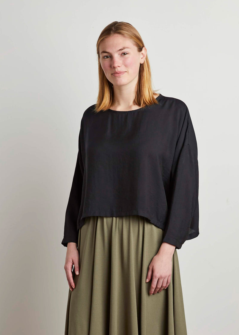 SLOUCH TOP (BLACK)