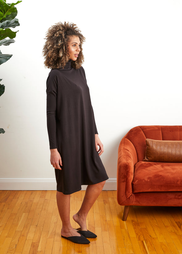 FROCK SQUARE TURTLENECK (BLACK)
