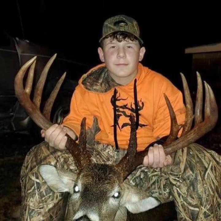 Logan Collins Takes Down Huge Buck - TLO Outdoors