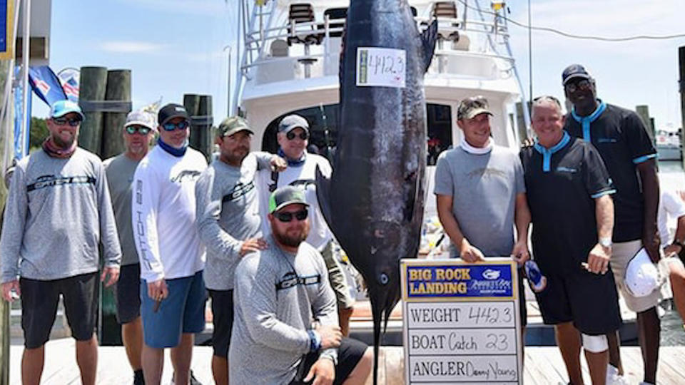 Michael Jordan and Crew Reel in Huge Marlin During Tournament - TLO Outdoors