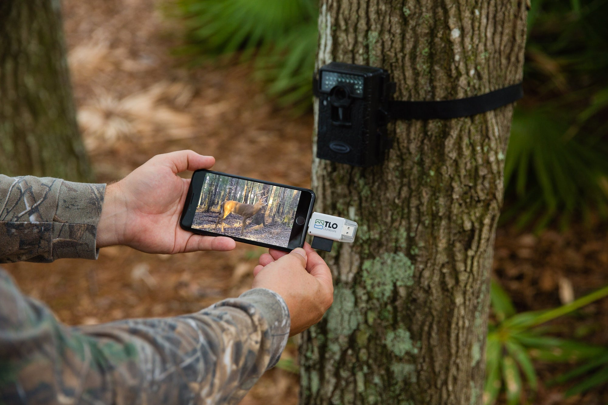 "How to Use the TLO Outdoors ""TrophyTracker"" Trail Cam Card Viewer for iPhone/Android"