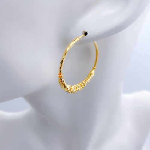 Shining rings in Medium Bali Earrings
