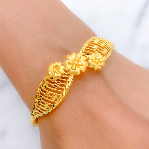 Beautiful Three Flower Bangle Bracelet