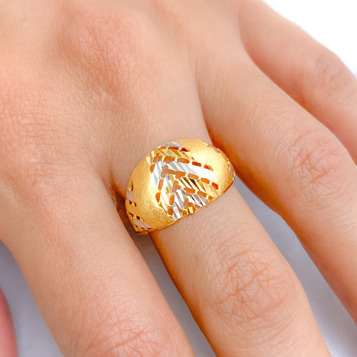 Lightweight Chic Two-Tone Ring