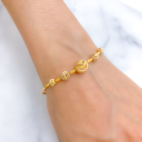 Rich Bangle Look Bracelet