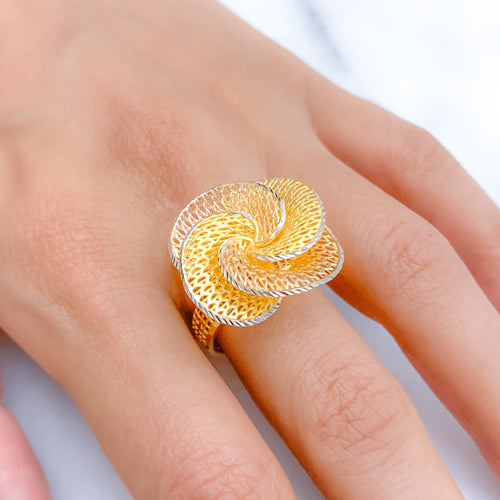 Modern Three-Tone Swirl Ring