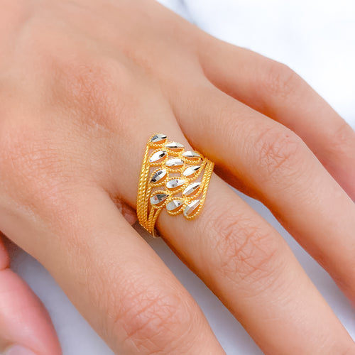 Mesmerizing Two-Tone Ring