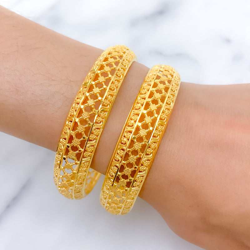 Lightweight Checkered Bangle Pair