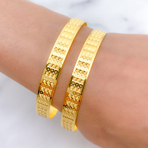 Dotted High Finish Bangles