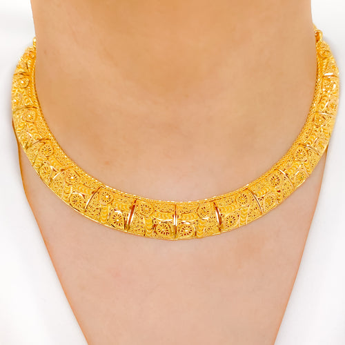Striking Collar Necklace Set