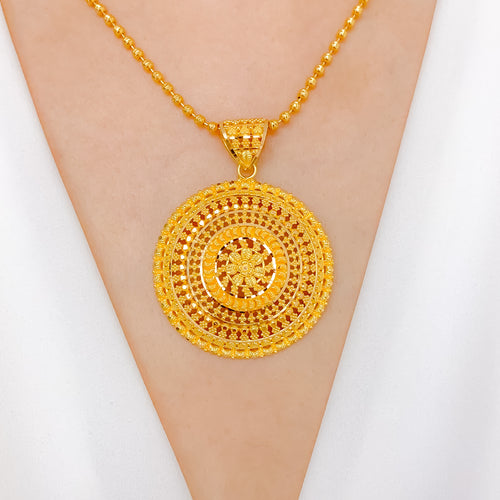 Grand Traditional Circle Pendant