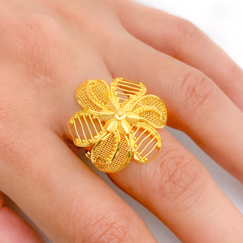 Dapper Netted Flower Ring