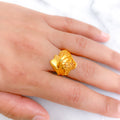 Gold Ladies Ring