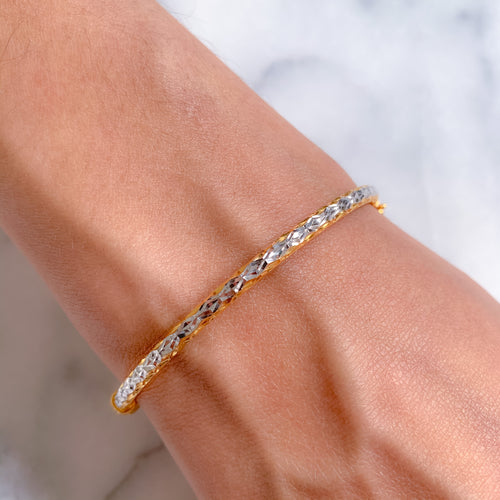 Lightweight Bangle Bracelet