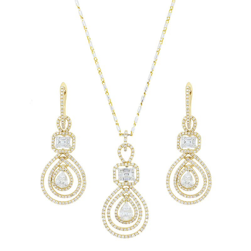 Stunning Diamond Drop Pendant Set