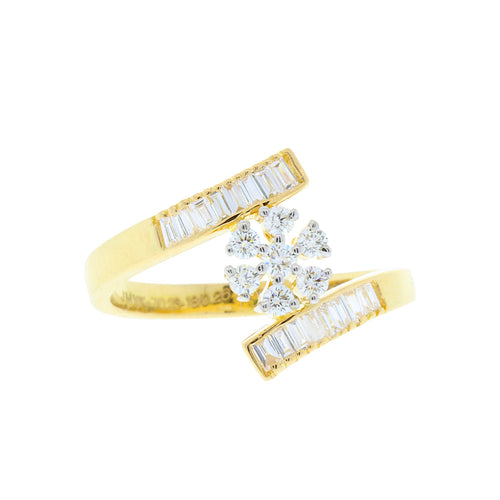 Delicate Star Diamond Ring
