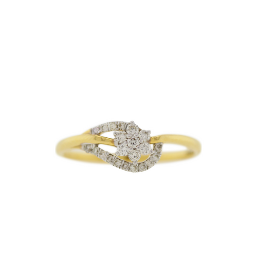 DIAMOND RING WITH ACCENT CURVES