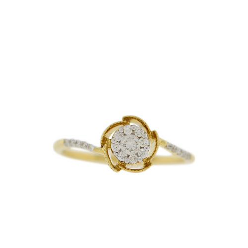 SOLITAIRE STYLE DIAMOND RING