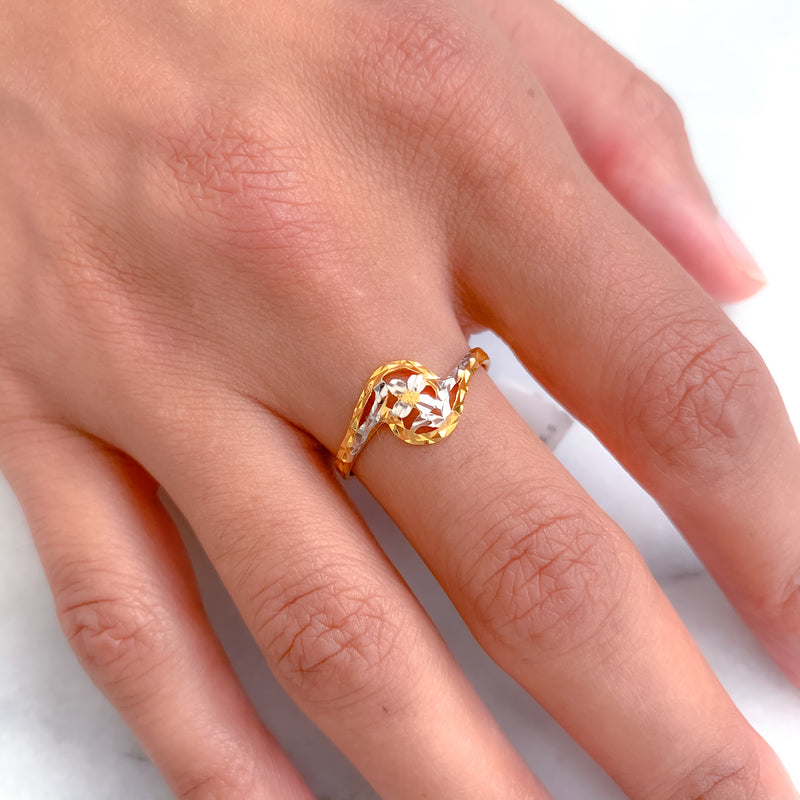Simple Two-Tone Spiral Ring